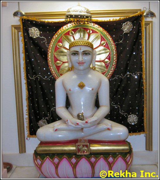 mahavir at rajdhani mandir image &copy VAIndia.us