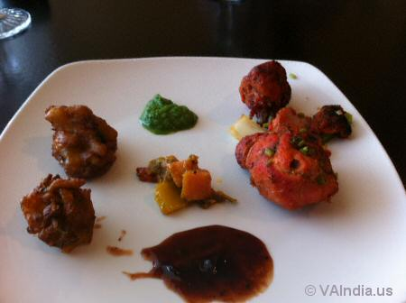 Indian Ocean Pakora, Tandoori Chicken © VAIndia.us