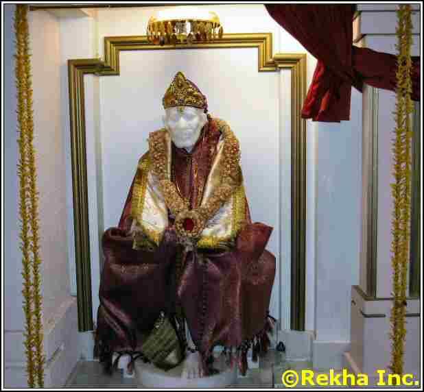 shirdi sai baba at rajdhani mandir image &copy VAIndia.us